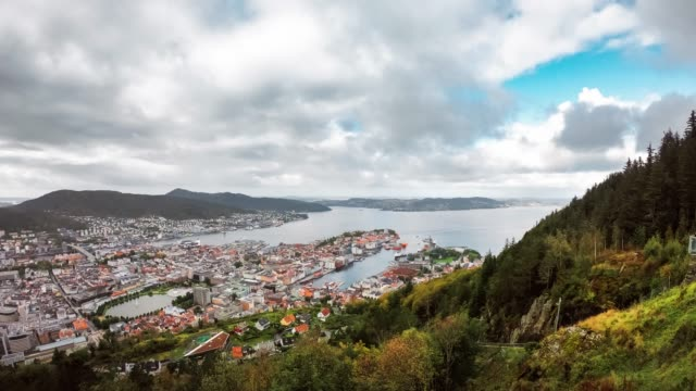timelapse - view of alesund, norway during the day - norvegia video stock e b–roll