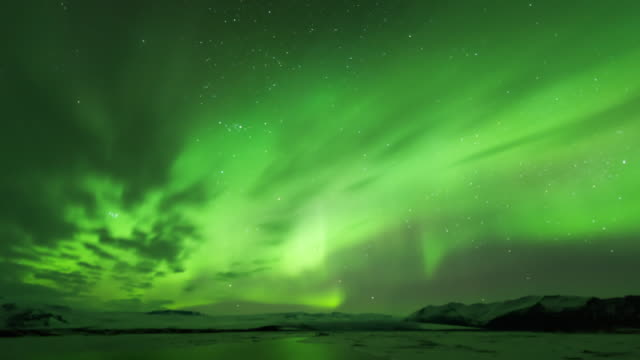 time-lapse view of aurora in iceland - 30秒以上点の映像素材/bロール