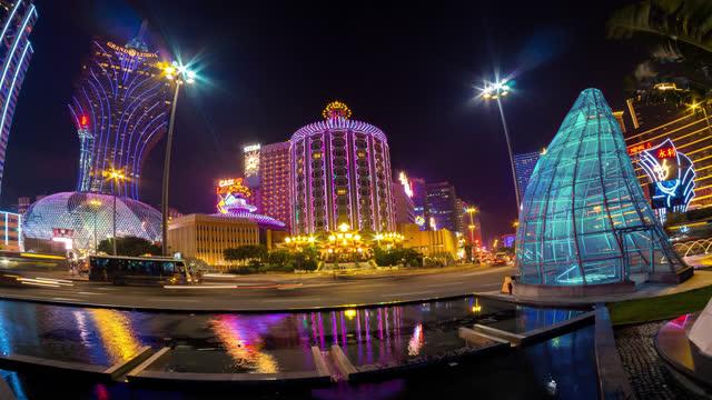 zeitrafferansicht des macau casino area - macao stock-videos und b-roll-filmmaterial
