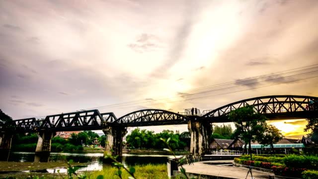 Time-Lapse: Vintage la le pont rivière Kwai en Thaïlande.