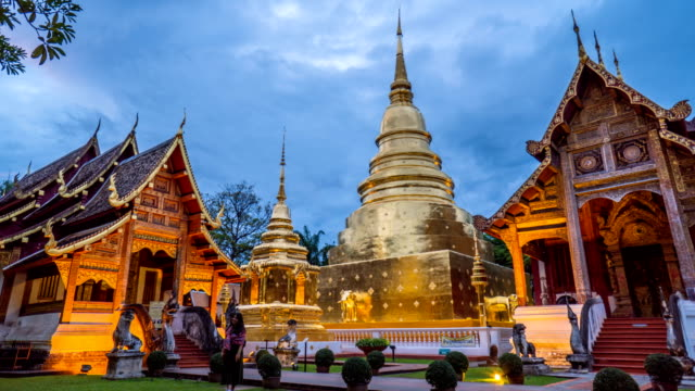 4k timelapse - tempel wat phra sing, chiang mai, thailand - pagode stock-videos und b-roll-filmmaterial