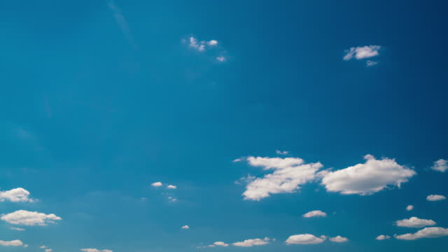 timelapse white clouds on blue sky