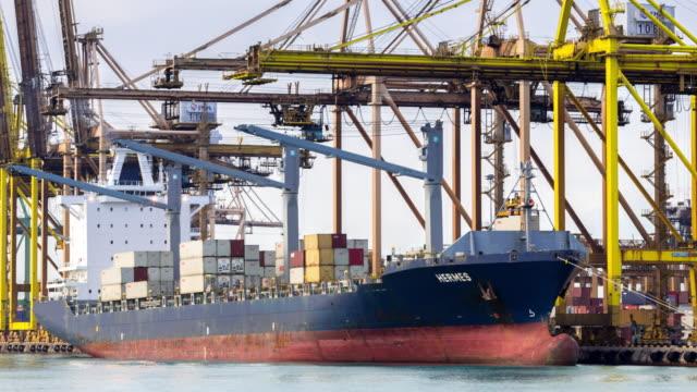 4K time-lapse: Working at Singapore Shipyard Port Terminal