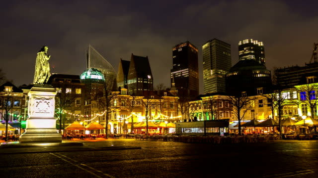 hd time-lapse zoom-out: hague downtown netherlands night - binnenhof stock videos and b-roll footage