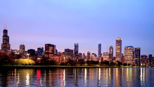 stockvideo's en b-roll-footage met hd time-lapse:chicago skyline - hd format