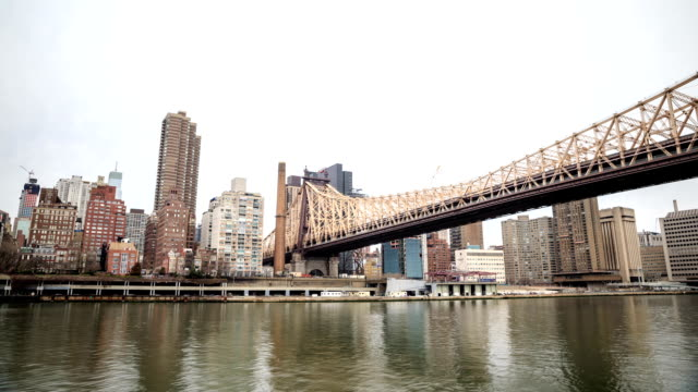 HD Time-lapse:East River in New york