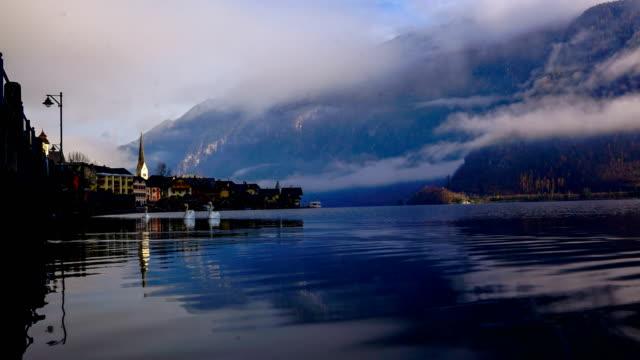 タイムラプス:オーストリア、ザルツカンマーグート、アルプスのハルシュタット山村 - オーストリア文化点の映像素材/bロール