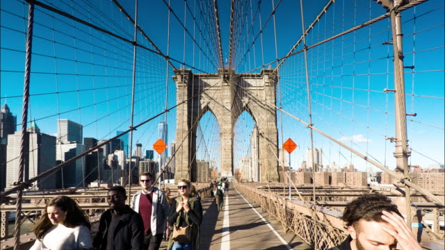 Timelapse/Hyperlapse Crossing the Brooklyn Bridge from Brooklyn to Manhattan