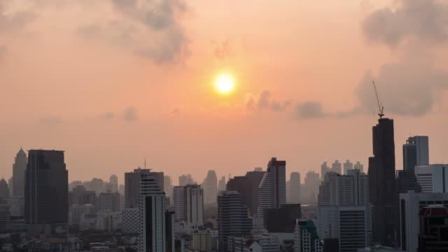 HD Timelapse: momenti all'alba del mattino-zoom indietro (zoom out)