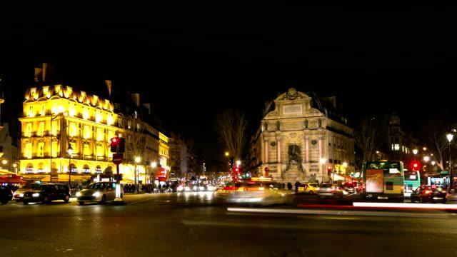 hd :パリの夜のタイムラプスセントミッシェル教会,france - 天使ミカエル点の映像素材/bロール