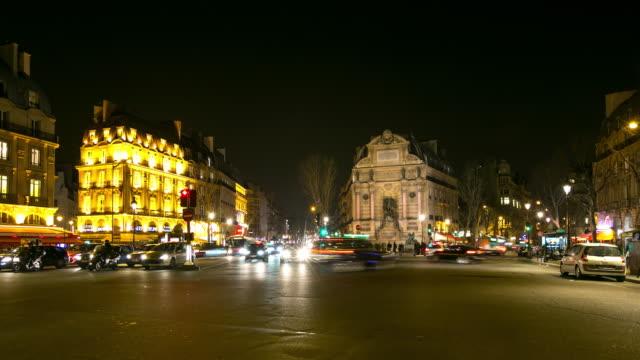 セント ・ ミッシェル教会、フランスで 4 k timelapse:paris の夜 - 天使ミカエル点の映像素材/bロール