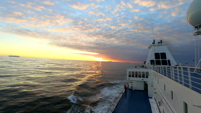 time-lapse:ship in antarctica - nave passeggeri video stock e b–roll
