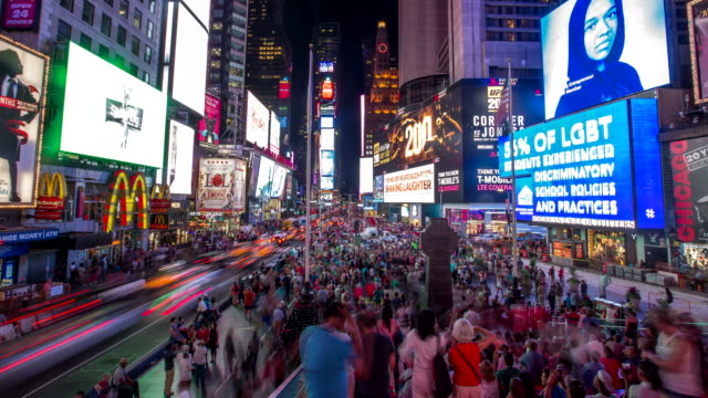 times square - 4k time lapse - tabellone video stock e b–roll