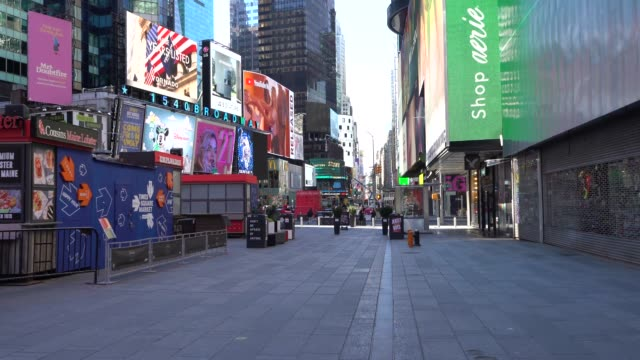 times square almost deserted during coronavirus outbreak in new york city - times square manhattan stock videos & royalty-free footage