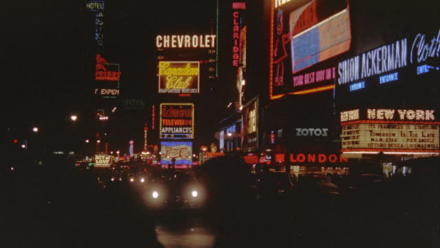 vídeos de stock e filmes b-roll de times square at night - 1974