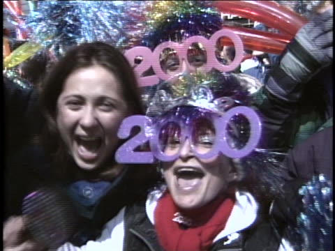 times square new years 2000 - celebration stock videos & royalty-free footage