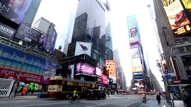 hd vdo : times square, new york city - full hd format stock videos & royalty-free footage