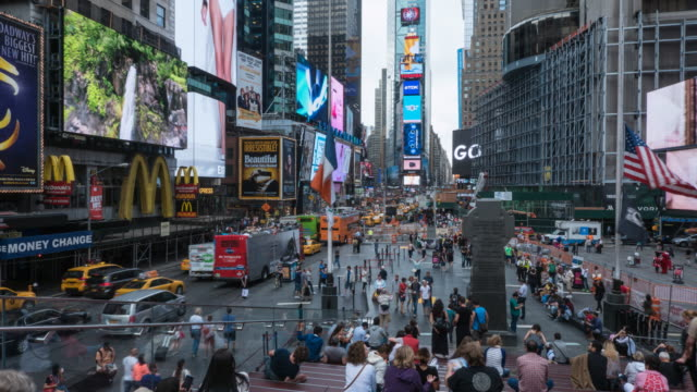 times square, new york, time lapse. - times square manhattan stock videos & royalty-free footage
