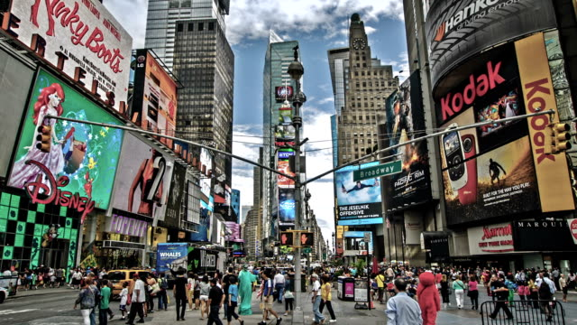 times square, new york - nordamerika stock-videos und b-roll-filmmaterial