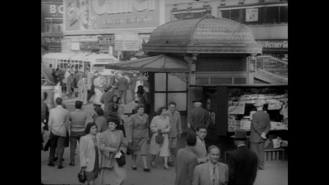 1948 times square subway station, nyc - 1940~1949年点の映像素材/bロール