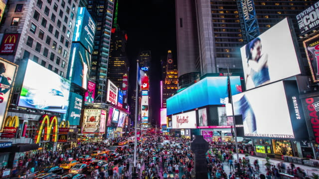 vídeos y material grabado en eventos de stock de times square - time lapse video stock - farola