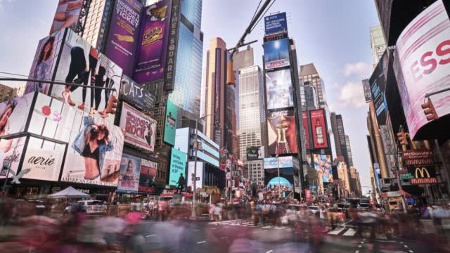 times square - tabellone video stock e b–roll