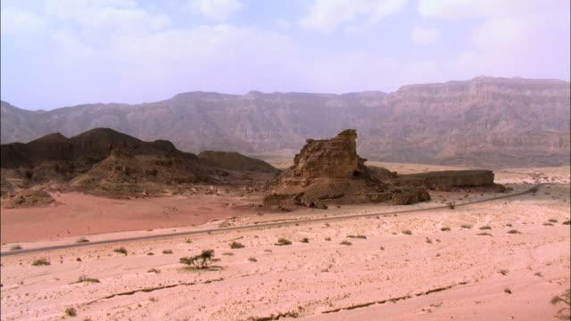 aerial timna, arava, israel - アラバ砂漠点の映像素材/bロール