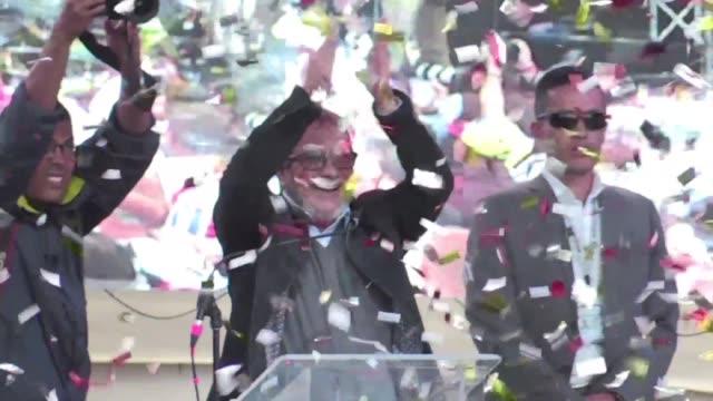 timochenko lider y candidato presidencial de la farc comenzo el sabado su caza de votos para las elecciones de mayo en colombia - revolutionary armed forces of colombia stock videos and b-roll footage