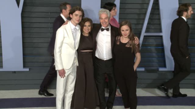 vidéos et rushes de timothée chalamet and guests at 2018 vanity fair oscar party on march 04 2018 in beverly hills california - vanity fair oscar party