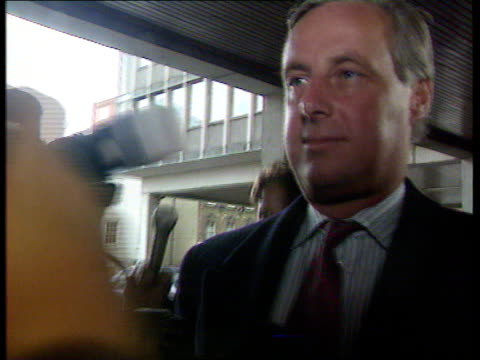timothy yeo mp resignation shaky pix london dept of environment cms tim yeo mp arriving for work surrounded by press track london normal pix lagv big... - shaky stock videos & royalty-free footage