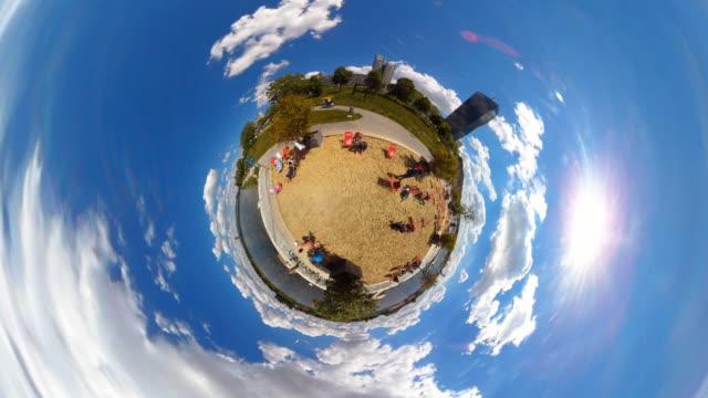 stockvideo's en b-roll-footage met tiny planet beach in vienna - 360° time lapse - oostenrijkse cultuur