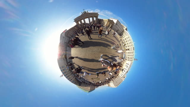 Tiny Planet Berlin Brandenburger Tor - 360° Time lapse