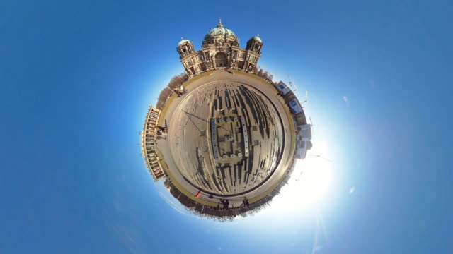 Tiny Planet Berlin Cathedral- 360° Time lapse