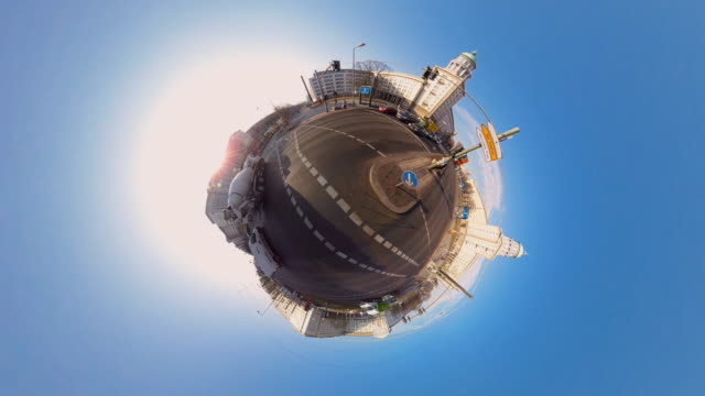 tiny planet berlin frankfurter tor- 360° time lapse - spoonfilm stock-videos und b-roll-filmmaterial