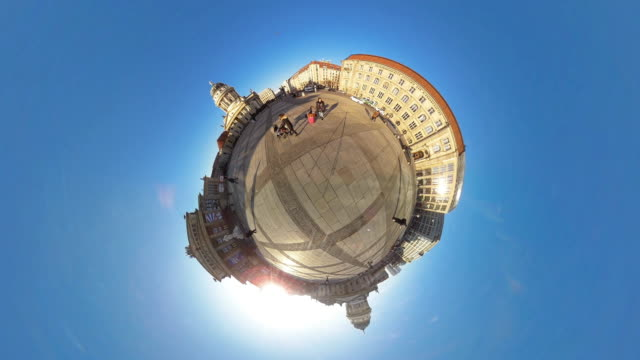 Tiny Planet Berlin Gendarmenmarkt - 360° Time lapse