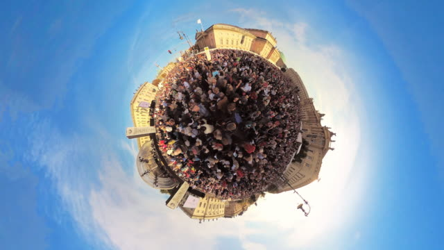 Tiny Planet Berlin - Unter den Linden- 360° Time lapse