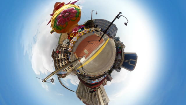 Tiny Planet Chinatown Singapore - 360° Time lapse