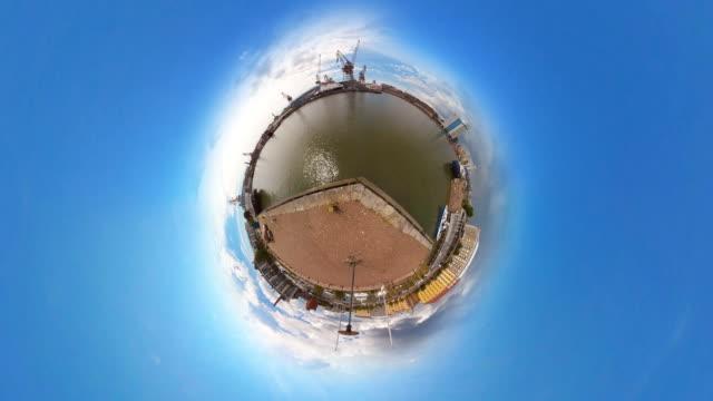 Tiny Planet Helsinki Harbor - 360° Time lapse