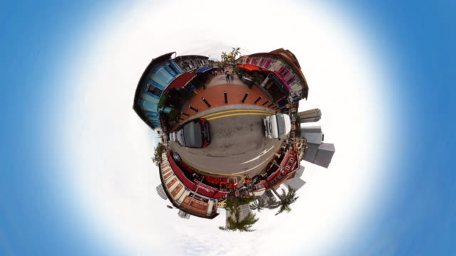 Tiny Planet Singapore Kampong Glam - 360° Time lapse