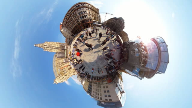 Tiny Planet Vienna Stephansplatz - 360° Time lapse