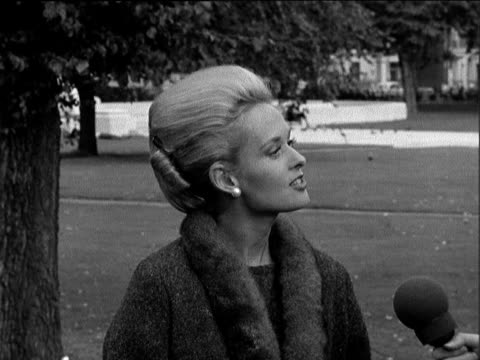 tippi hedren interview on her part in alfred hitchcock's 'the birds'; itn england: grosvenor square: ext birds pan to 2-shot zoom to hedren sof -... - tippi hedren stock videos & royalty-free footage