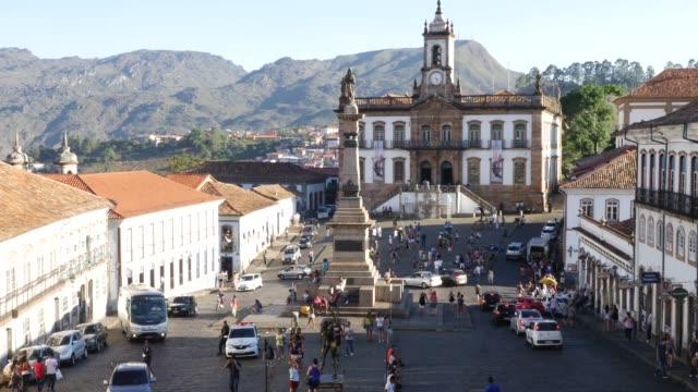 オロプレト、ミナスジェライス州、ブラジルのティラデンテス広場 - 南アメリカ点の映像素材/bロール