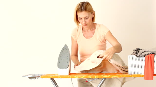 tired mature housewife - stereotypical housewife stock videos & royalty-free footage