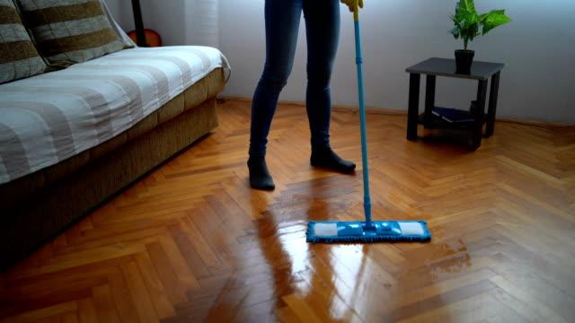 Müde von Hausarbeit