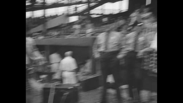 allstar ball game won by americans 83 / title washington dc superimposed over crowds in griffith stadium for baseball allstar game / cu president... - 1937 stock-videos und b-roll-filmmaterial