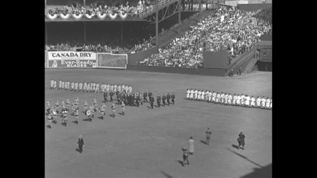 baseball season opens / title card new york world champion giants trim phillies in opener 61 40000 at polo grounds as carl hubbell ace of the... - philadelphia phillies stock-videos und b-roll-filmmaterial