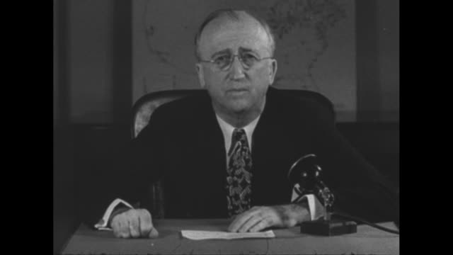 vidéos et rushes de byrnes mobilization chief asks allout effort / sotcu us war mobilization director james byrnes says the allies are defeating the axis powers but the... - juge