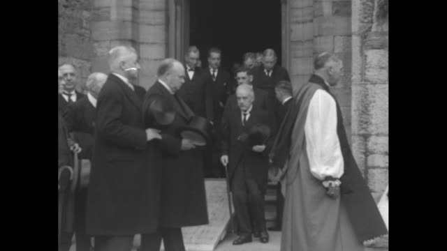 """canada mourns sir gilbert parker - dominion pays last tribute to great novelist and former statesman"" / anglican altar boys follow the crucifer from... - anglican stock videos & royalty-free footage"