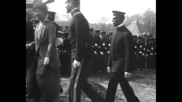 chevy chase md president and mrs wilson open the military camp for training women of washington how to aid in the defense of their country / pres... - 米国海兵隊点の映像素材/bロール