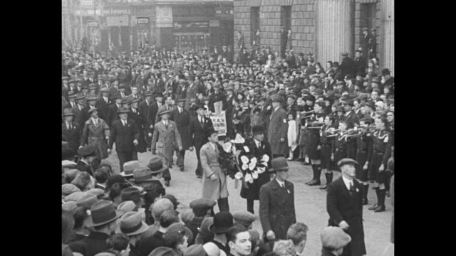 dublin recalls uprising in 1916 five battalions of irish republican army march through city to pay tribute to those who fell during the fighting /... - 1916 stock videos & royalty-free footage
